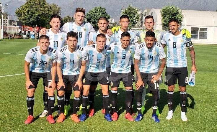 Argentina llegó a Chile y jugó contra el local: De la Vega fue titular