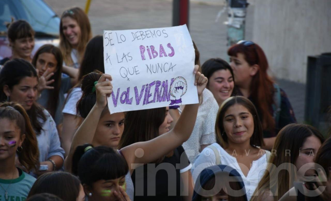 Las mujeres marcharon por la ciudad pidiendo