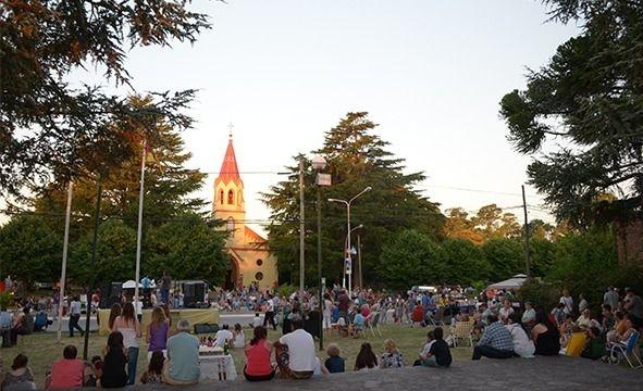 Colonia Hinojo festeja sus 142 años