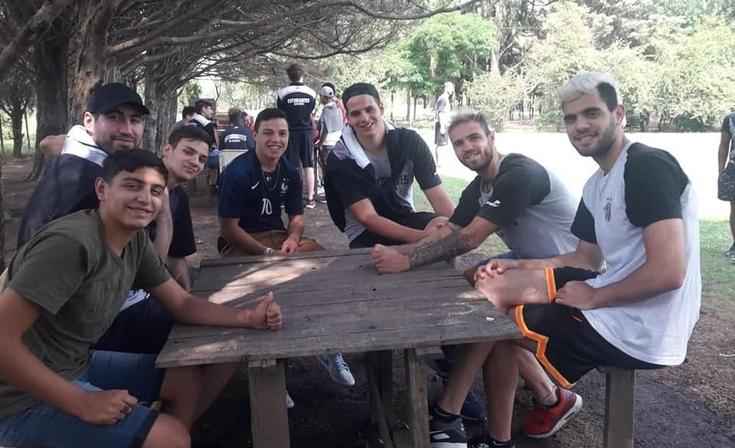 """Vuelve el """"Chango Solidario"""" del equipo de básquet de Estudiantes"""