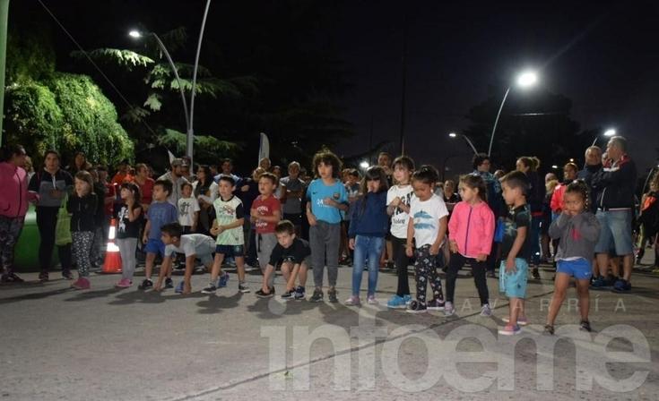 Una multitud se acercó a vivir la primera Correcaminata
