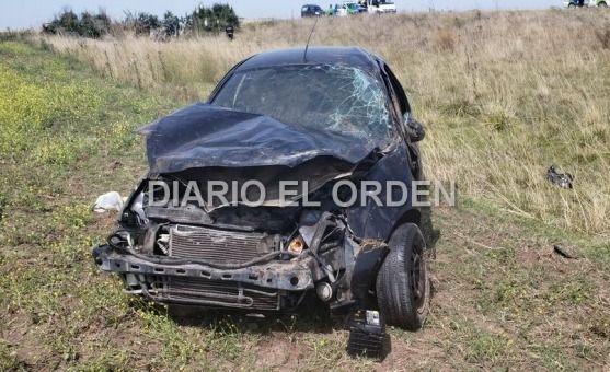 Ruta 51: un automóvil protagonizó un violento vuelco