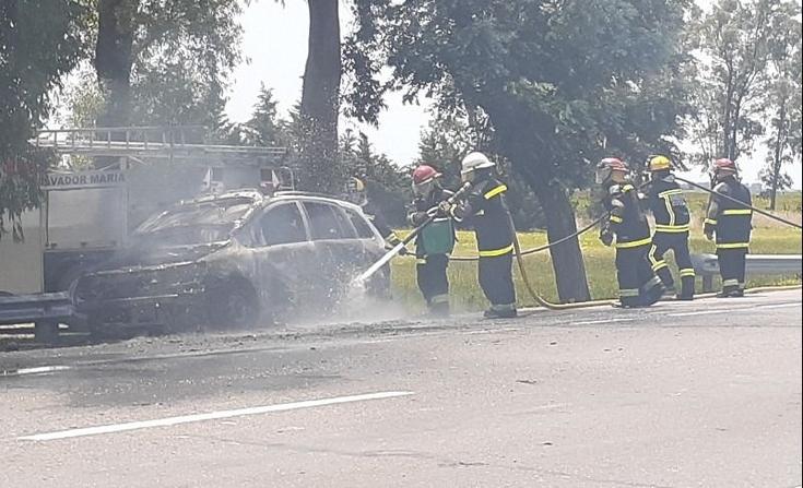 Un auto se incendió y explotó en ruta 205: un herido