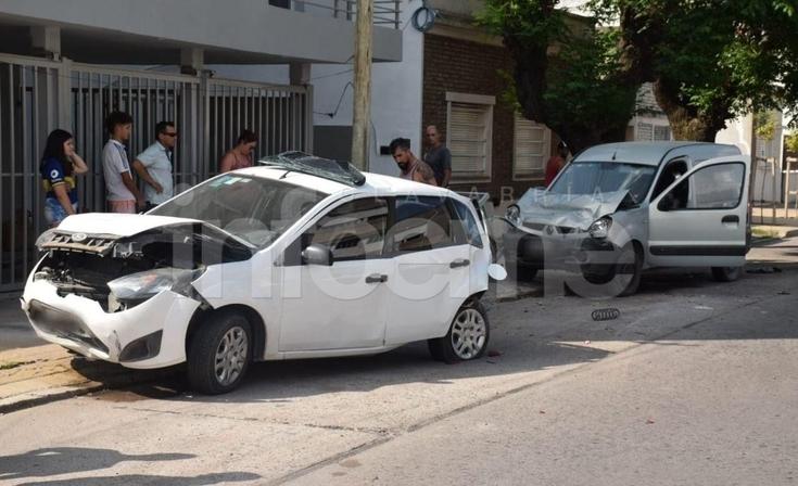 Violento accidente: un hombre fue trasladado al Hospital