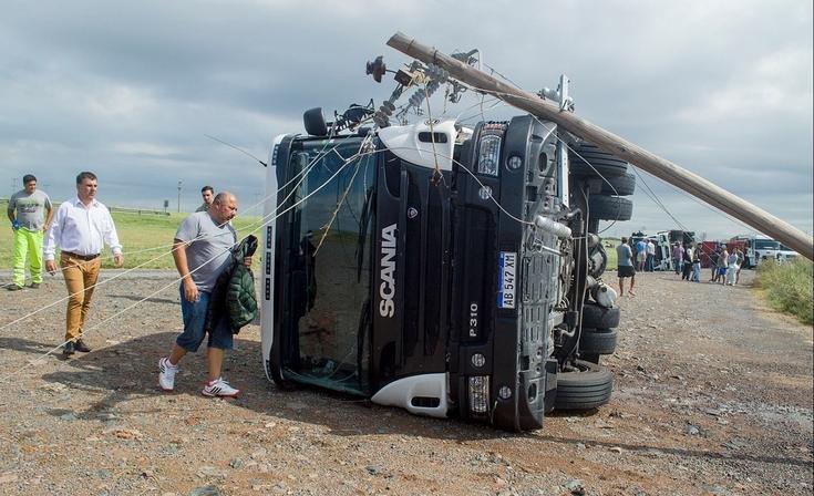 Evalúan los daños ocurridos por el temporal en Azul