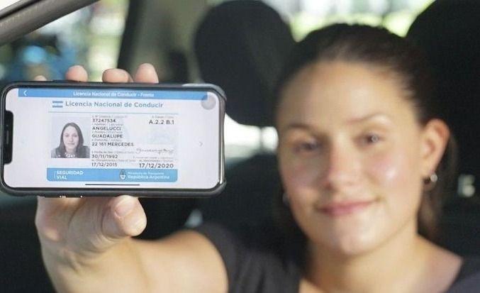 Lanzan la nueva licencia nacional de conducir digital