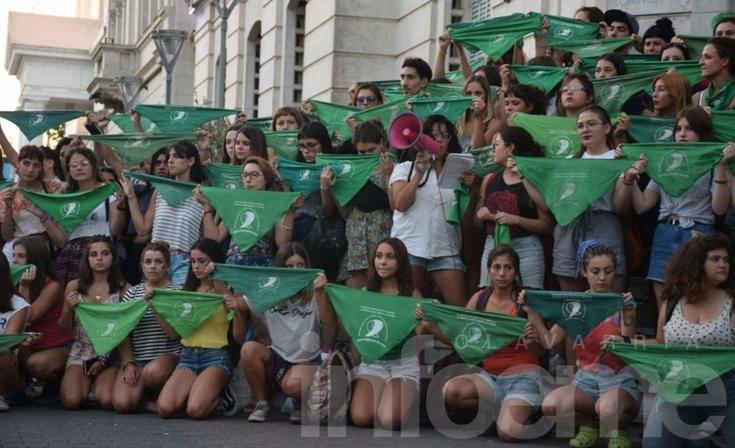 Primer pañuelazo (y marcha) del 2019 por el aborto legal