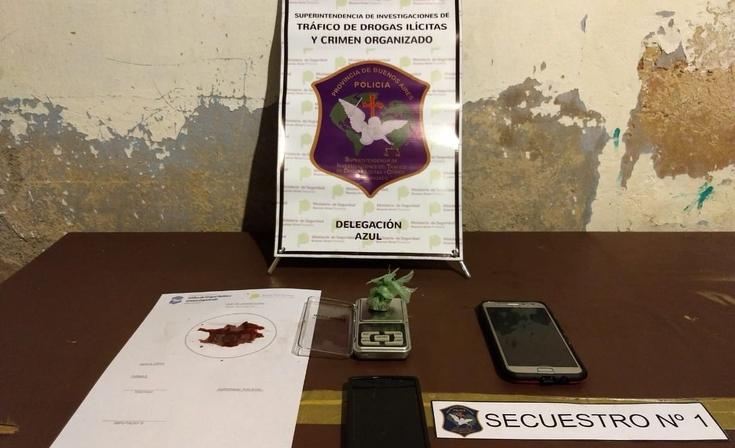 Allanamientos en Azul: secuestraron marihuana, dinero y un hombre fue aprehendido