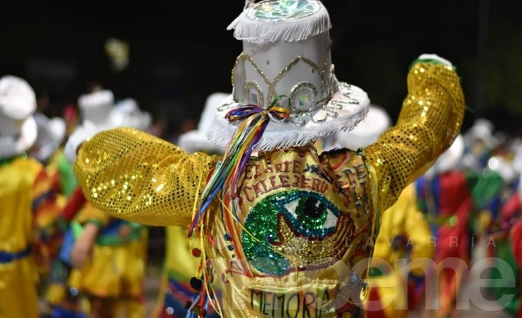 """Carnaval de Arrebatando Lágrimas: """"Nunca vamos a dejar de decir o de hacer"""""""