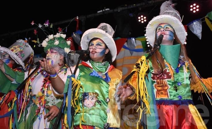 Momentos únicos de El Carnaval de Locura en una galería de imágenes
