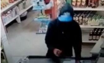 Video: así fue el asalto a mano armada en el autoservicio