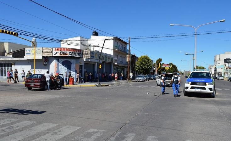 Impresionante triple choque en Colón y España: Dos menores y una mujer herida