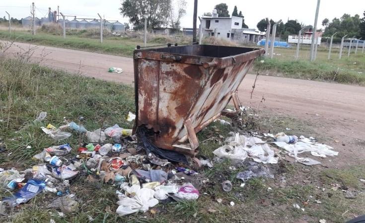 """Quejas por """"falta de recolección"""" de basura"""
