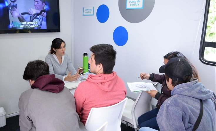 """El tráiler """"Empleo Joven"""" en Olavarría"""