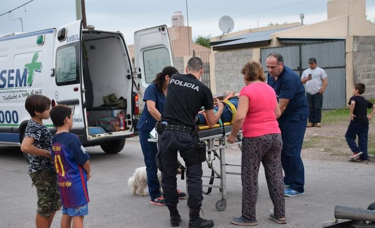 Barrio Facundo Quiroga II: motociclista herida tras chocar con un auto