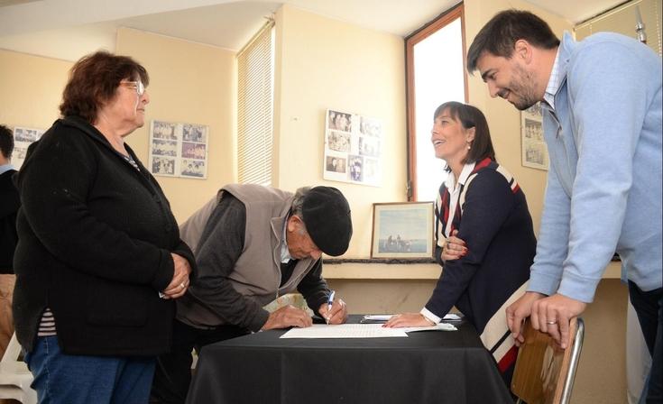 Firma de escrituras sociales en las localidades rurales