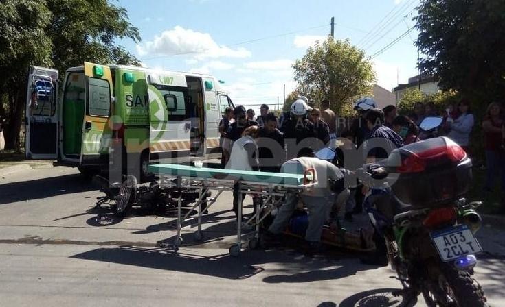 Dos personas heridas en accidentes de tránsito casi simultáneos