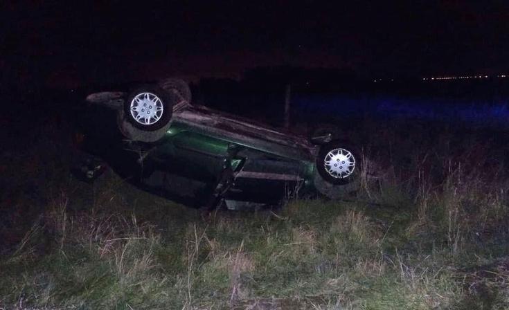 Falleció el automovilista que volcó en un camino vecinal