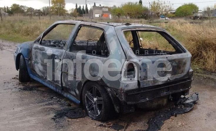 Se incendió un auto y tuvo pérdidas totales