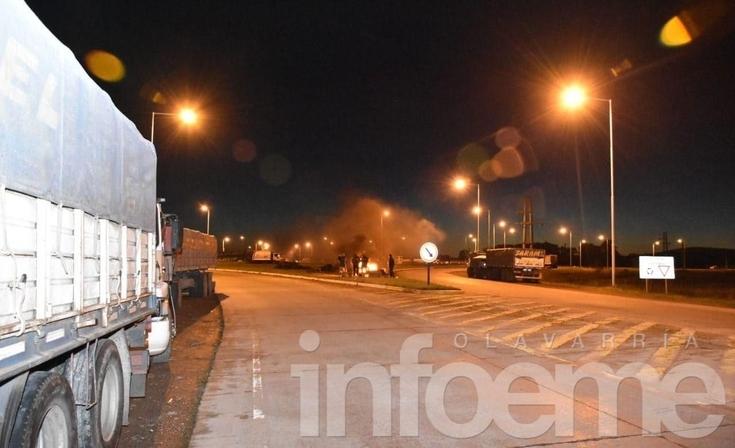 Paro nacional: camioneros reclaman en la rotonda de 226 y 51