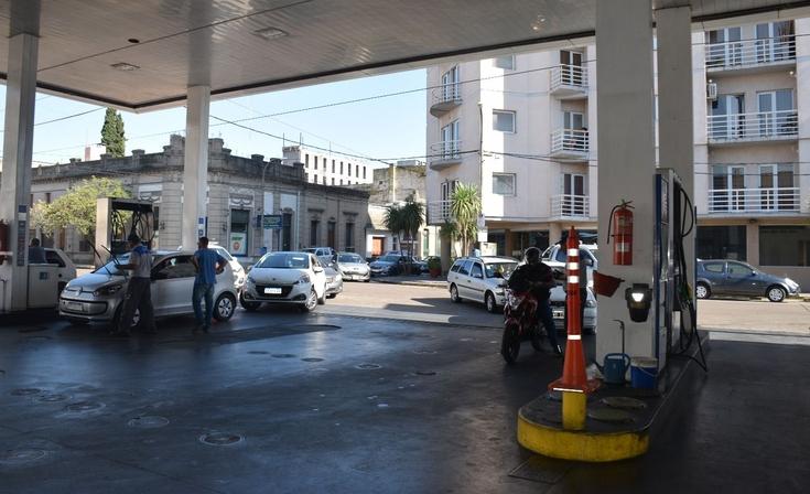 No habrá congelamiento de combustibles hasta reunión con petroleras