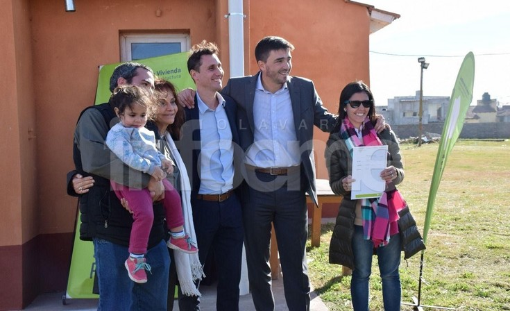 Finalmente, el Municipio entregó once viviendas en el barrio UOCRA