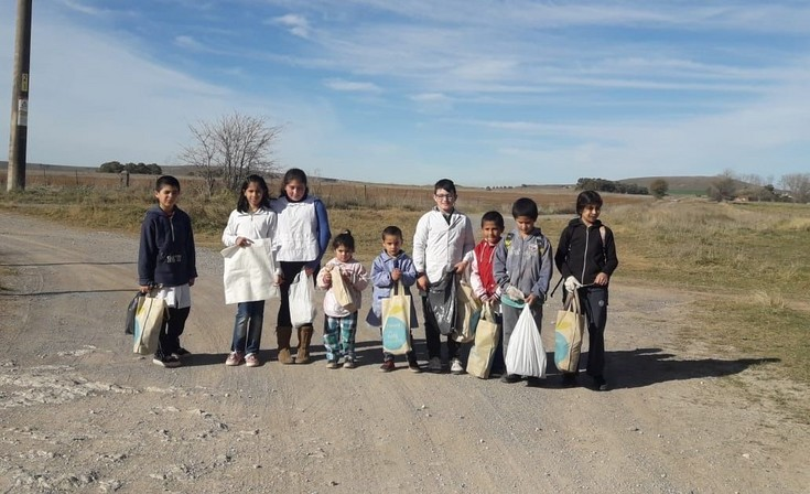 Estudiantes de dos instituciones realizaron una jornada ecológica