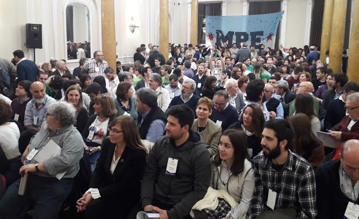 Comenzó la Asamblea extraordinaria que decidirá el futuro de la Escuela de Salud