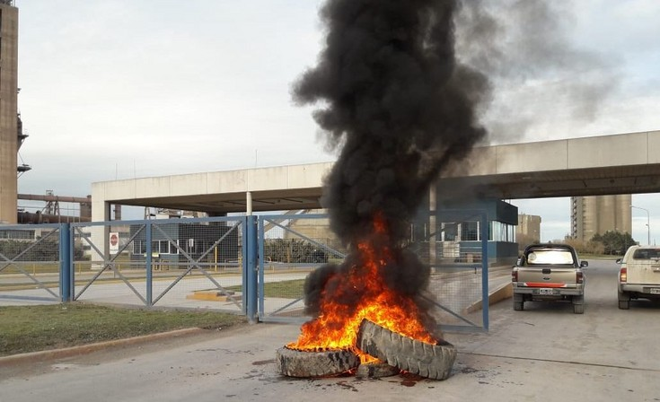 AOMA realizó asambleas y manifestaciones en Cementeras