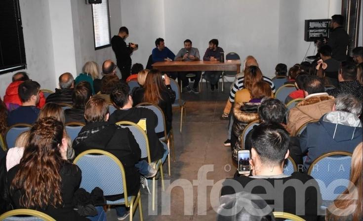 """A sala repleta, presentaron """"Arrem"""" en el Centro Cultural"""