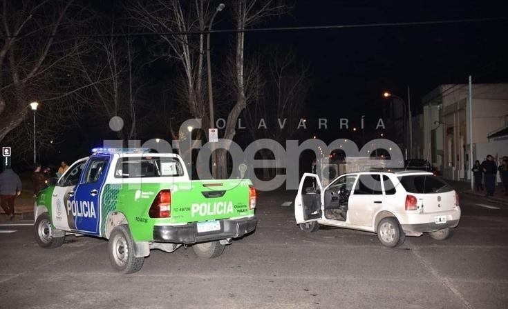 Una ambulancia y un remis protagonizaron un choque y vuelco