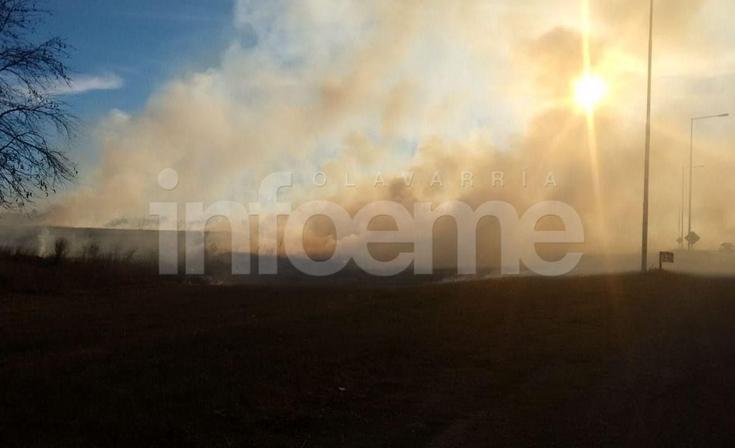 Hubo baja visibilidad debido a un incendio de pastizales