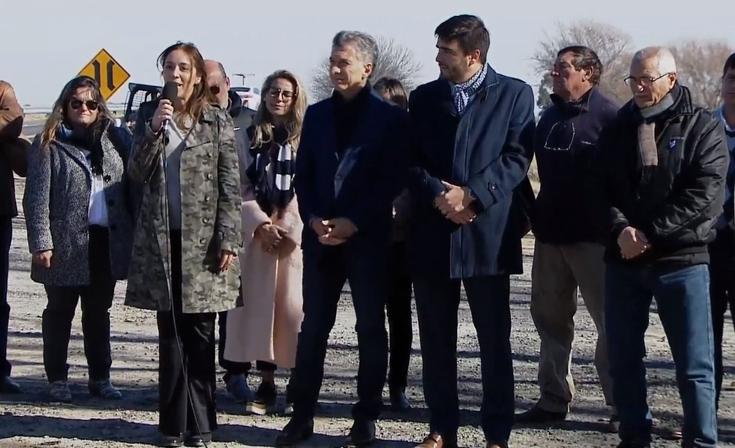 Macri y Vidal encabezaron un acto en la ruta provincial 51