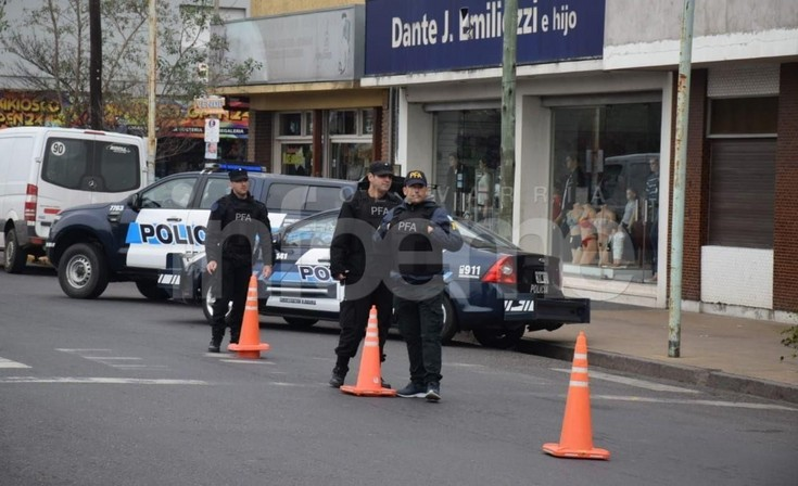 Con la presencia de Eugenio Burzaco, la Policía Federal realiza operativos