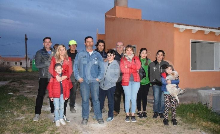 """Barrio UOCRA: """"Hace 13 años que esperan, es momento de que se termine"""""""