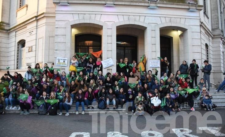 """Realizarán un """"pañuelazo callejero"""" a favor de la legalización del aborto"""