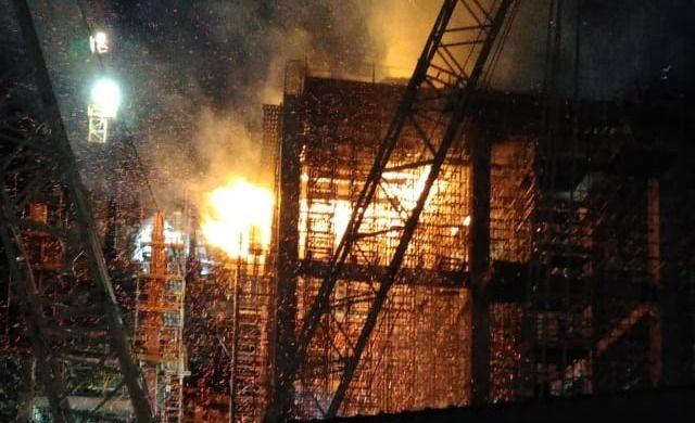 Voraz incendio en planta L'Amalí II: bomberos trabajaron más de 8 horas