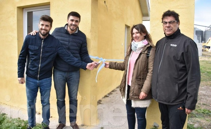 Tras un acto, entregaron cinco viviendas para trabajadores Municipales