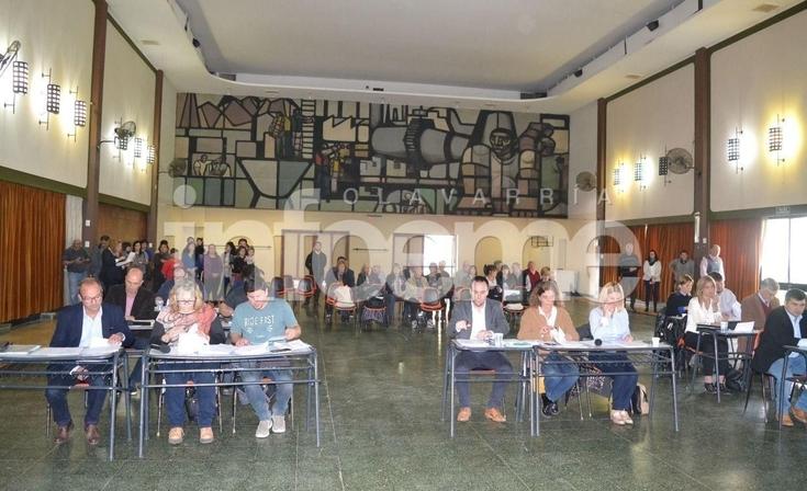 Con cambios y discusiones, el HCD sesionó en Loma Negra