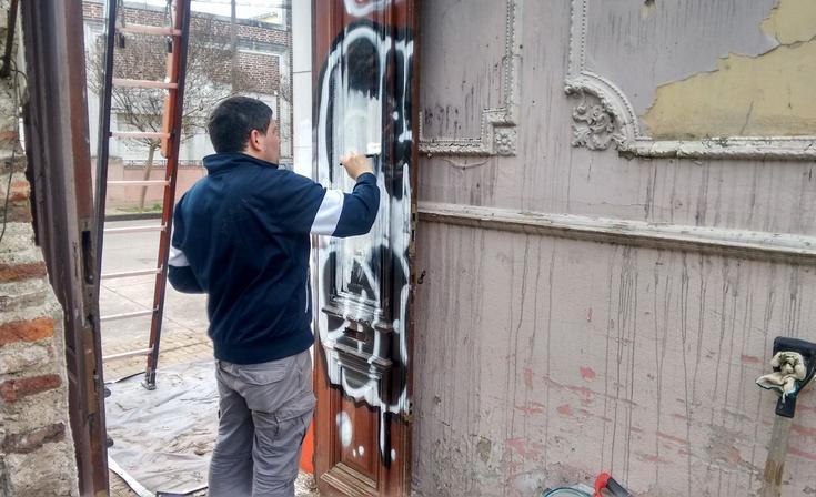 Jornada de limpieza y pintura en el comité radical