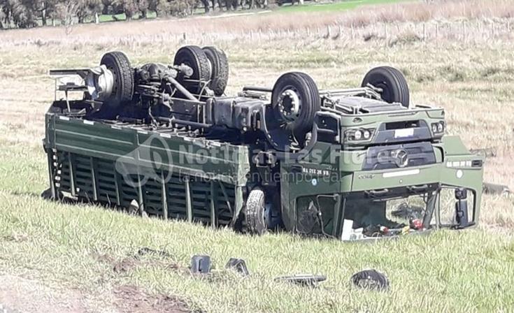 Ruta 3: violento accidente entre un camión del ejército y un automóvil