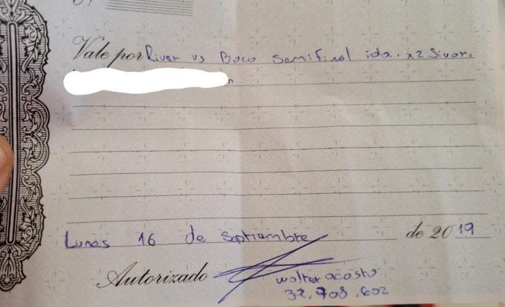 """""""Súper-estafa"""": denuncian que les vendió un viaje al River – Boca y se borró"""