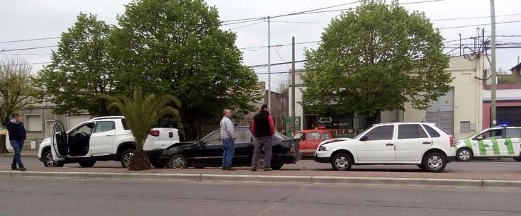 No alcanzan los adjetivos: dos choques casi en simultáneo otra vez sobre avenida Colón