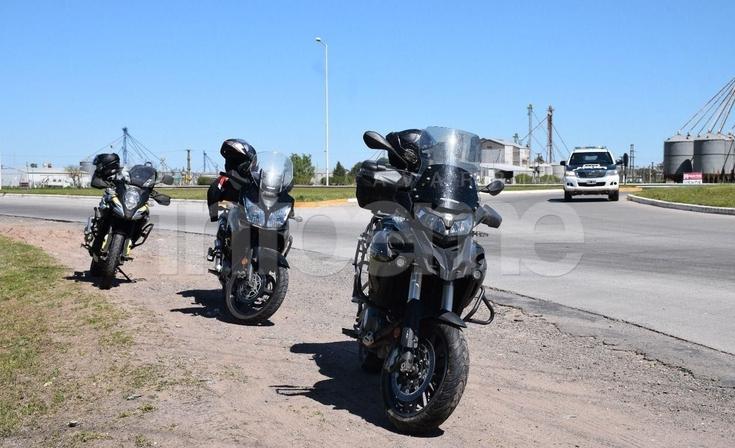 Un motociclista se cayó en la rotonda de Cerro Negro