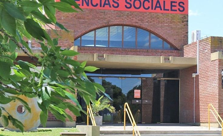 Charla del Equipo Argentino de Antropología Forense y firma de convenio