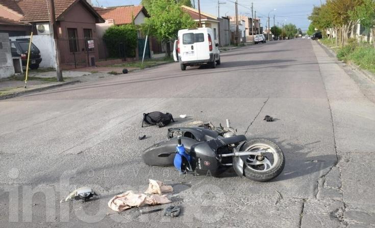 Se encuentra grave el motociclista accidentado