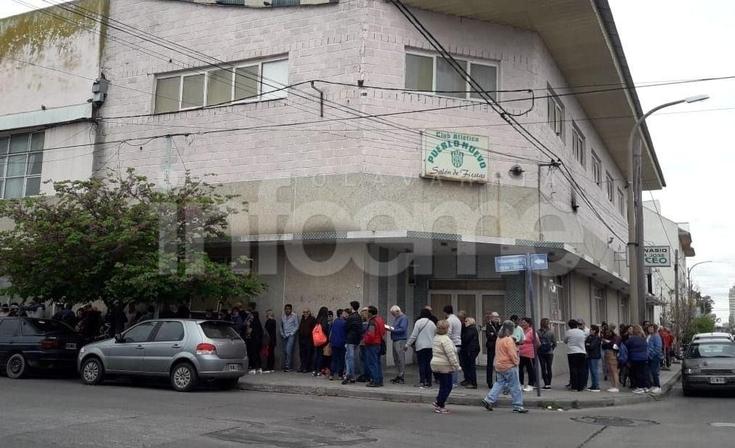 Así esperan por Alberto Fernández en Pueblo Nuevo