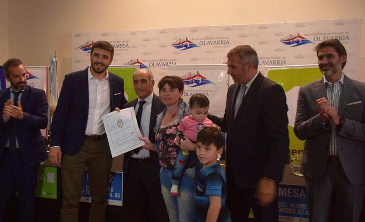 Galli y el Vicegobernador encabezaron acto de firma y entrega de Escrituras