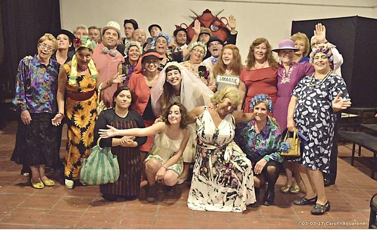 Clase abierta de teatro comunitario en Macondo