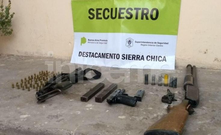 En un allanamiento, encontraron las armas robadas de la Unidad Nº 2
